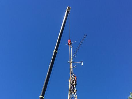 Communication Tower St Johns Ambulance - MAX Cranes