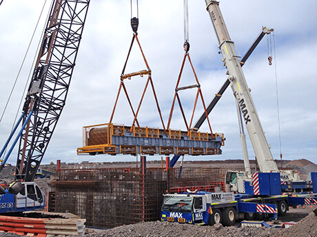 Kermans Contracting - Apron Feeder Lift - Max Cranes