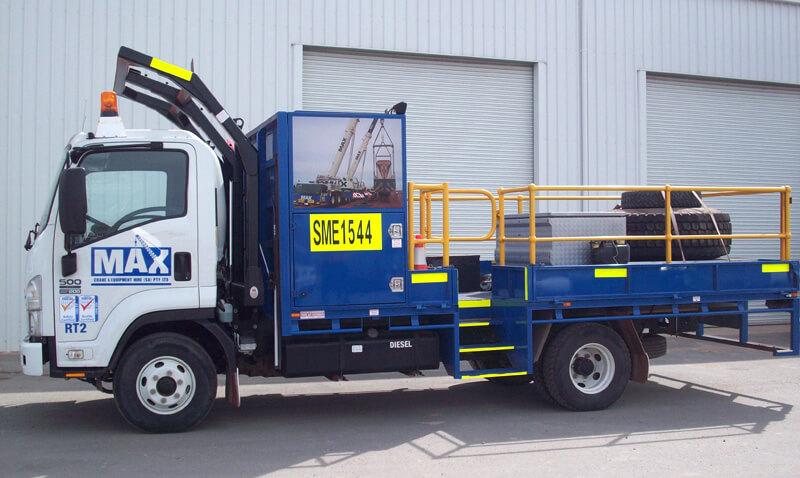 Rigging Truck - MAX Cranes
